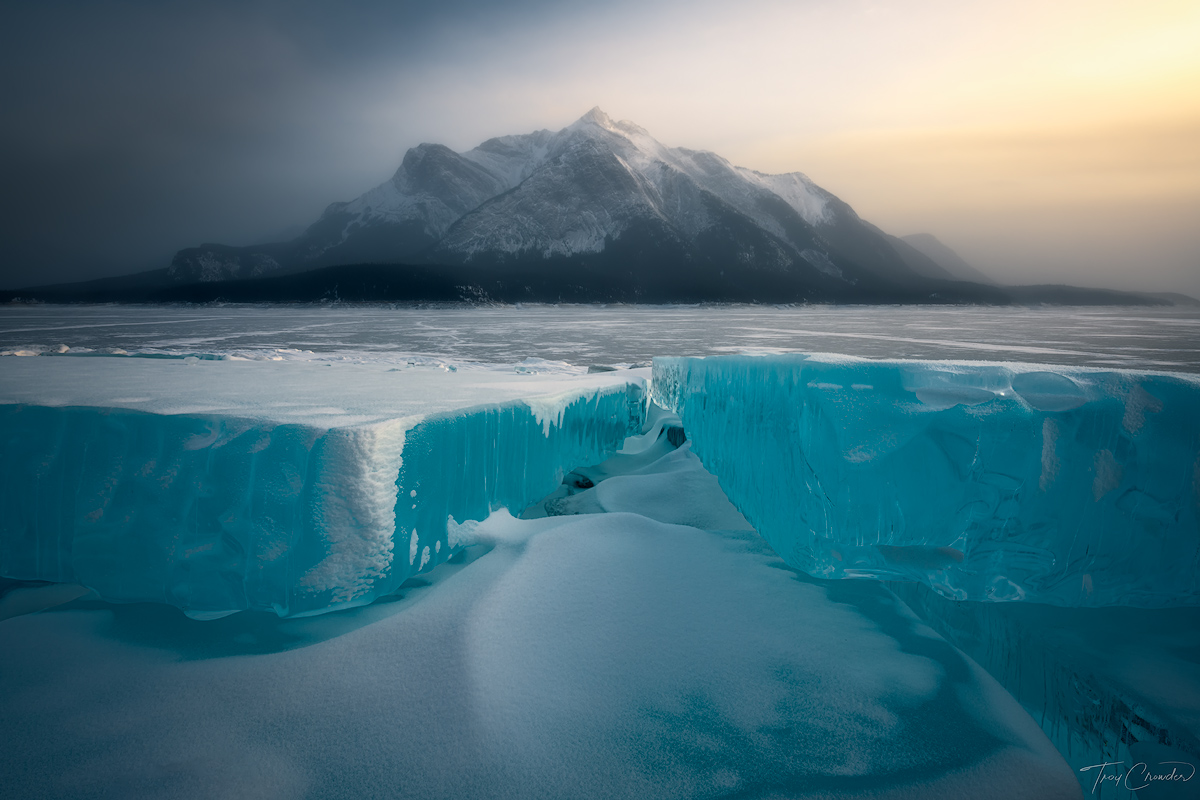 Alberta, Abraham Lake, ice, mist, icy, mountain, canada, photo